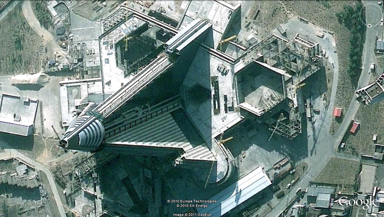 The Ryugyong Hotel has been one of Orascom's projects in the DPRK since 2008 (Google image)