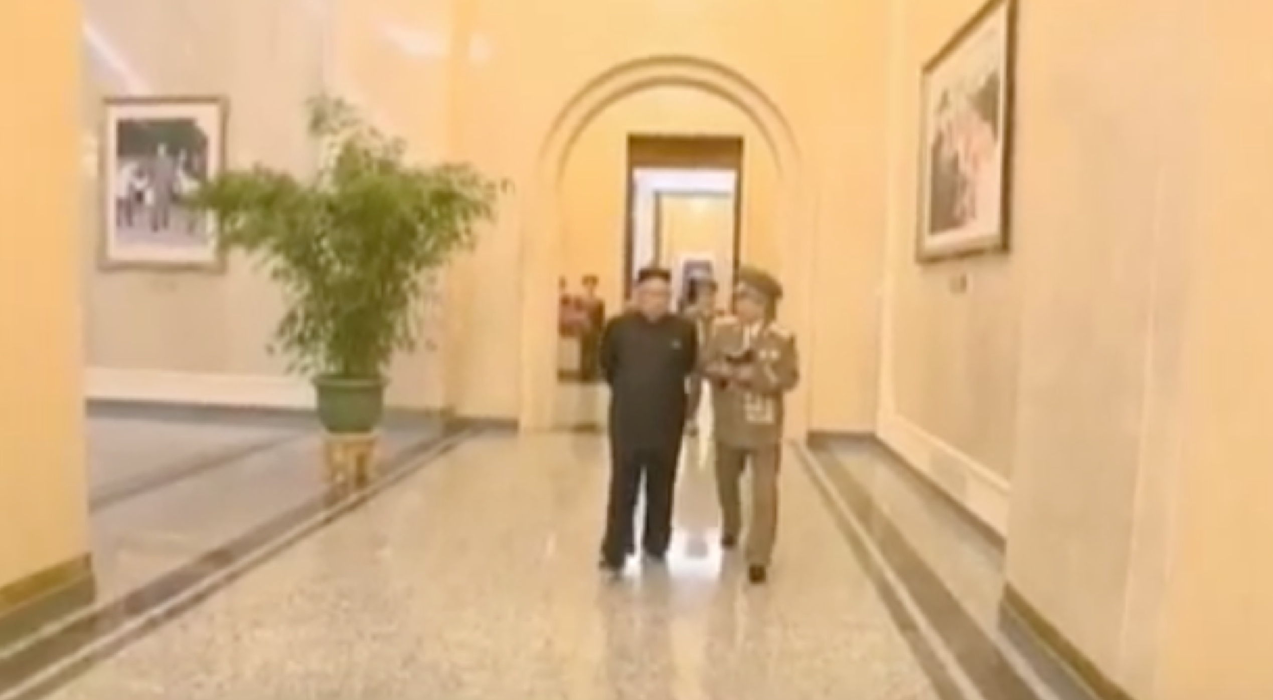 Kim Jong Un issues instructions to the director of the Ku'msusan Palace of the Sun on February 16, 2017 (Photo: Korean Central Television).